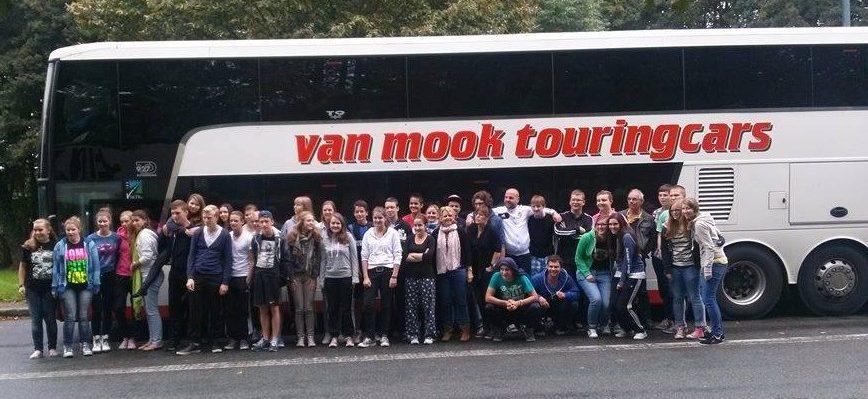 van-mok-bg